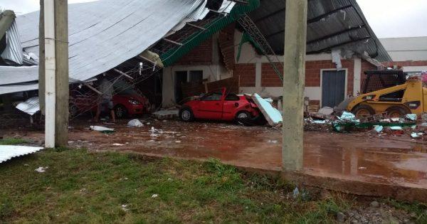Tornado en Misiones dejó muchos daños materiales y familias evacuadas.