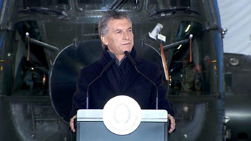 Mauricio Macri y Oscar Aguad presentaron el plan de reorganización de las FFAA