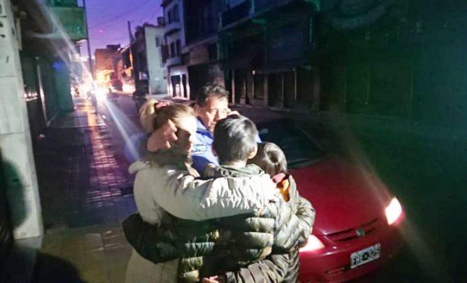 Les robaron el auto y estaban sus dos hijos dentro