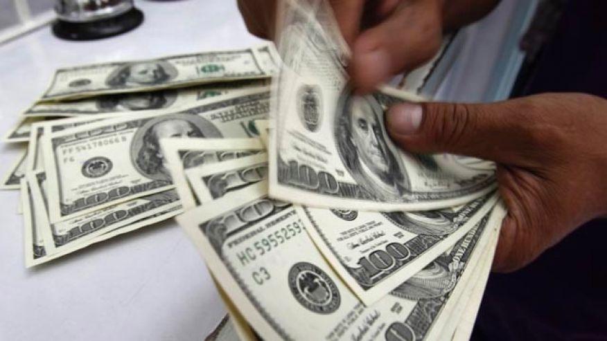 El dólar parece no tener techo y superó los $34