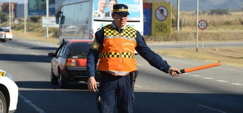 Intentó coimear con 200 pesos a la Caminera y quedó detenido