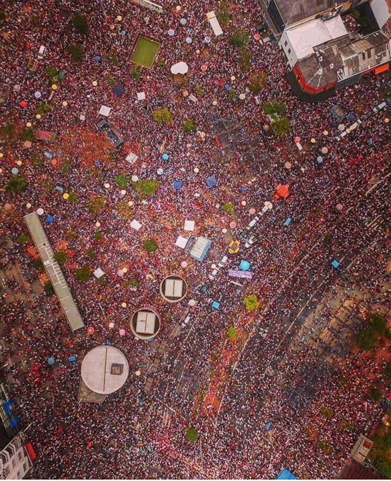 Miles de personas se manifestaron contra Bolsonaro