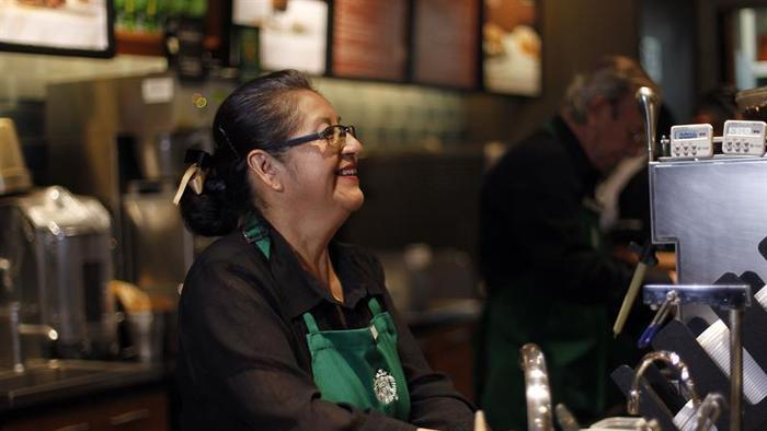 Carmen Lazo: trabajadora de Starbucks café