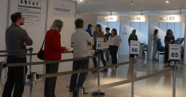 Más de 7000 brasileños radicados en Argentina podrán votar por su próximo presidente