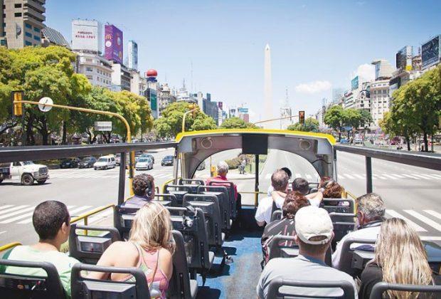 Un millón de turista se movilizaron por el país este fin de semana