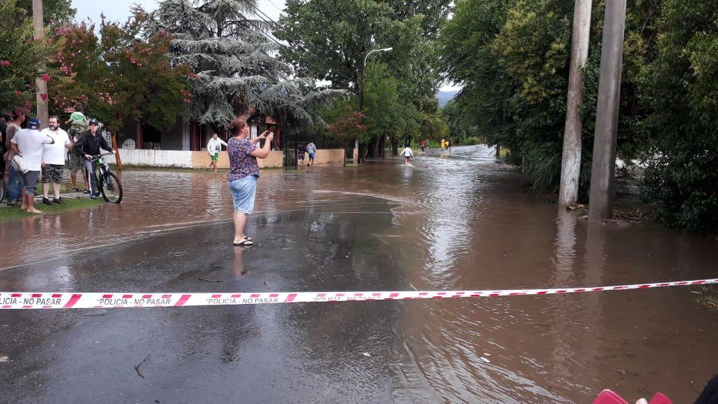 #Temporal: La Provincia asiste a Mina Clavero y Villa Giardino