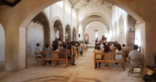 Detuvieron a dos sacerdotes por presunto abuso sexual