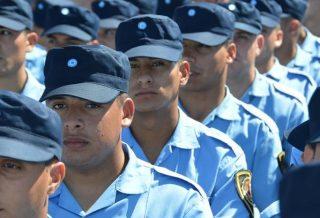 Se oficializó el nuevo reglamento policial y algunos organismos se mostraron en contra
