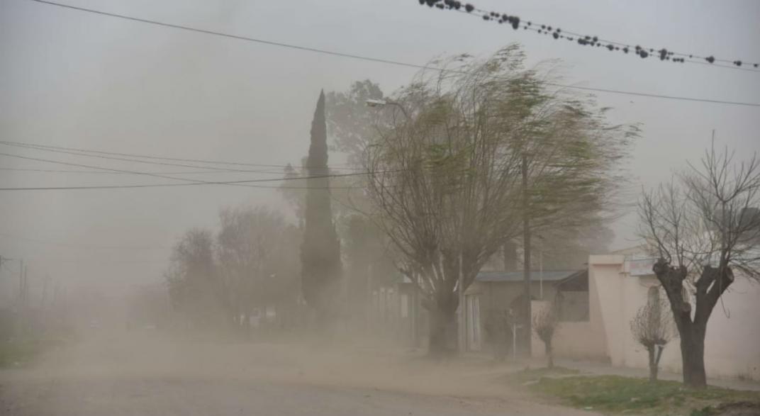 Vientos de hasta 100km/h dejaron 35 distribuidores de EPEC sin servicio