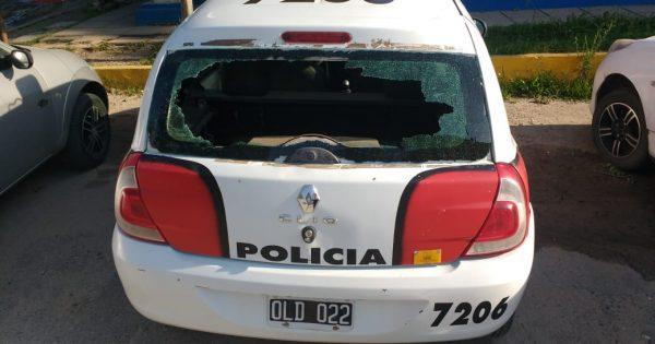 Así quedó el móvil policial dañado