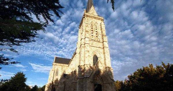 Femicidio en frente a la catedral de bariloche