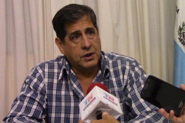 #Escándalo: intendente se grabó invitando a chicas a su despacho