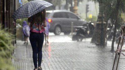 Tras una noche de infierno, alerta por lluvias intensas y granizo
