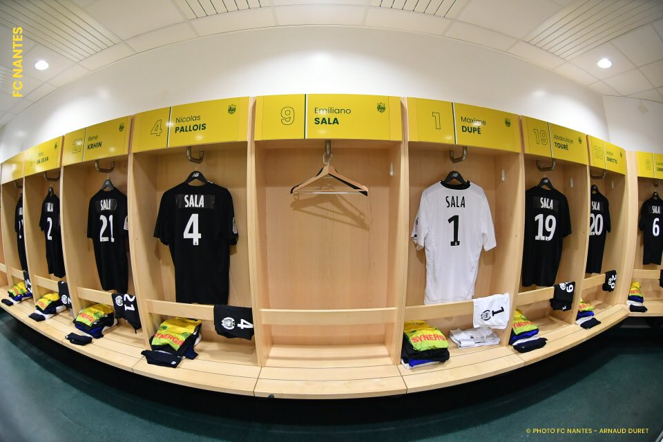 Homenaje del Nantes a Emiliano Sala
