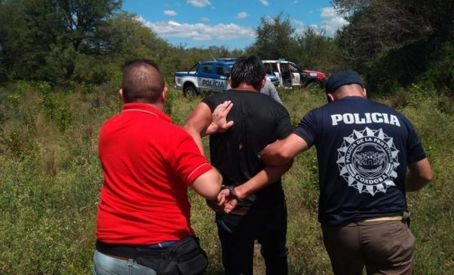Asesinan a una madre de 8 niños y detienen a su novio