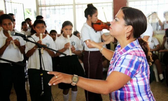 Bolsa de trabajo: escuela local busca maestro de música
