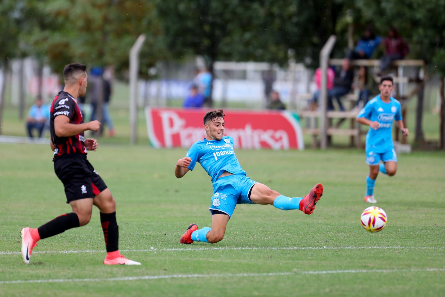 El equipo de Darío Cavallo venció 4-0 a Patronato en Villa Esquiú. Marcaron Pardo, Lencina x2 y Garnerone.