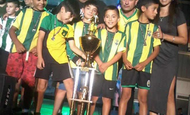 Fútbol infantil: Platense vuelve a su cancha y avanza en la obra del SUM