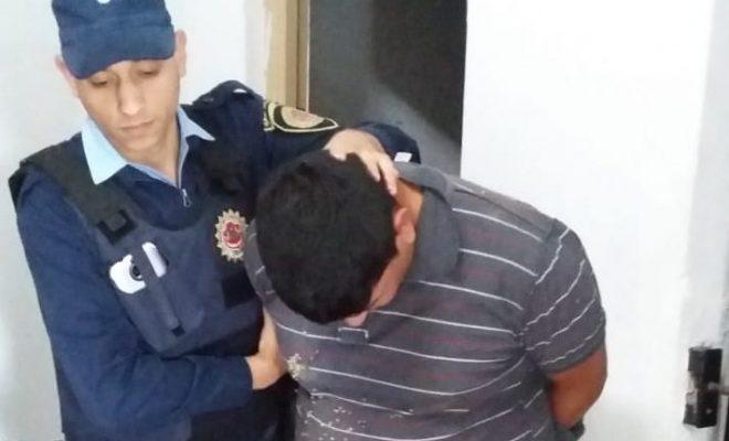 Despeñaderos: un detenido y un prófugo luego intentar robar en una casa