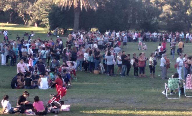 Una multitud buscó sus entradas para la reinauguración del Monumental