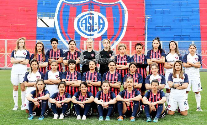 Quince jugadoras del CASLA firmaron contrato y se convirtieron en las primeras jugadoras profesionales de AFA