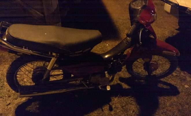Dos menores escaparon de un control policial en moto