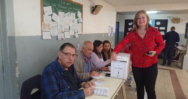 Se vota con total normalidad en Villa San Isidro