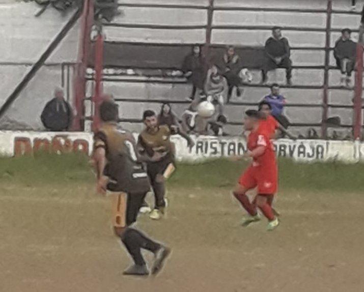 Fútbol: Deportivo Norte se trajo un empate de la casa del líder