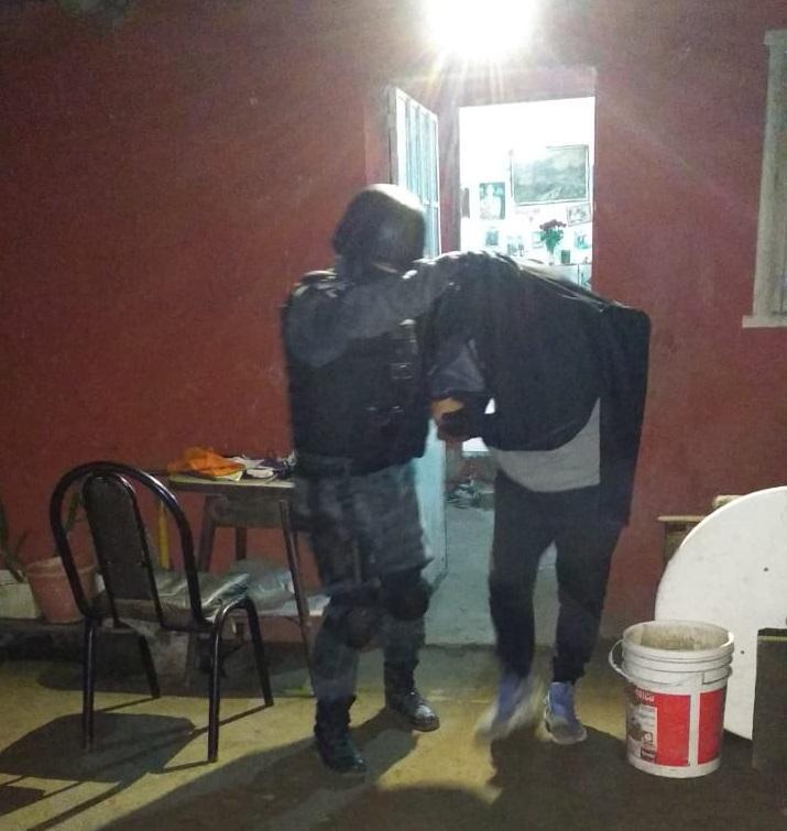 Cuatro allanamientos y dos detenidos por venta de droga en barrio General Bustos