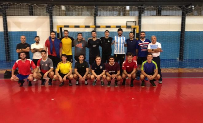 El handball se abre paso en el Polideportivo Municipal