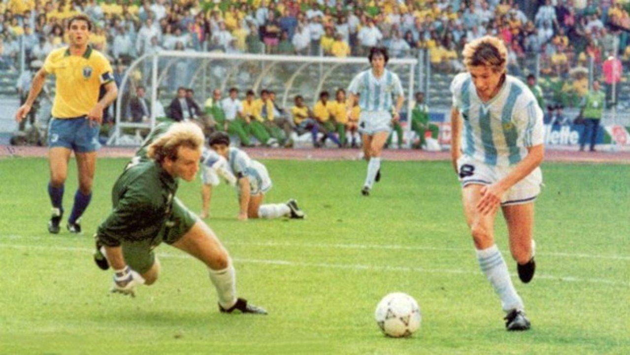 Un 24 de Junio de 1990, Claudio Paul Caniggia le hacía un gol a Brasil que le valía al equipo verde-amarela la eliminación.