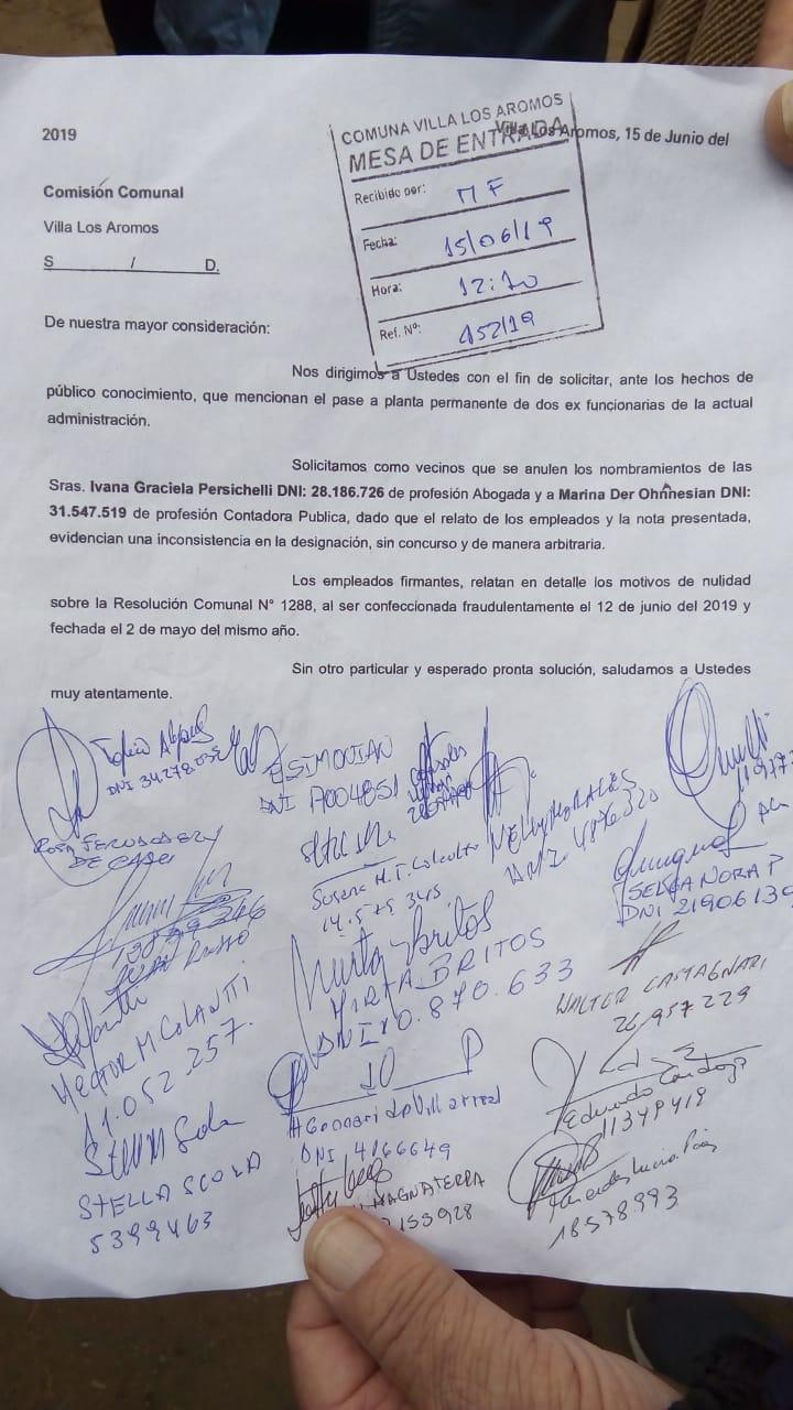 Villa Los Aromos es una caldera: protesta de vecinos frente a la Comuna