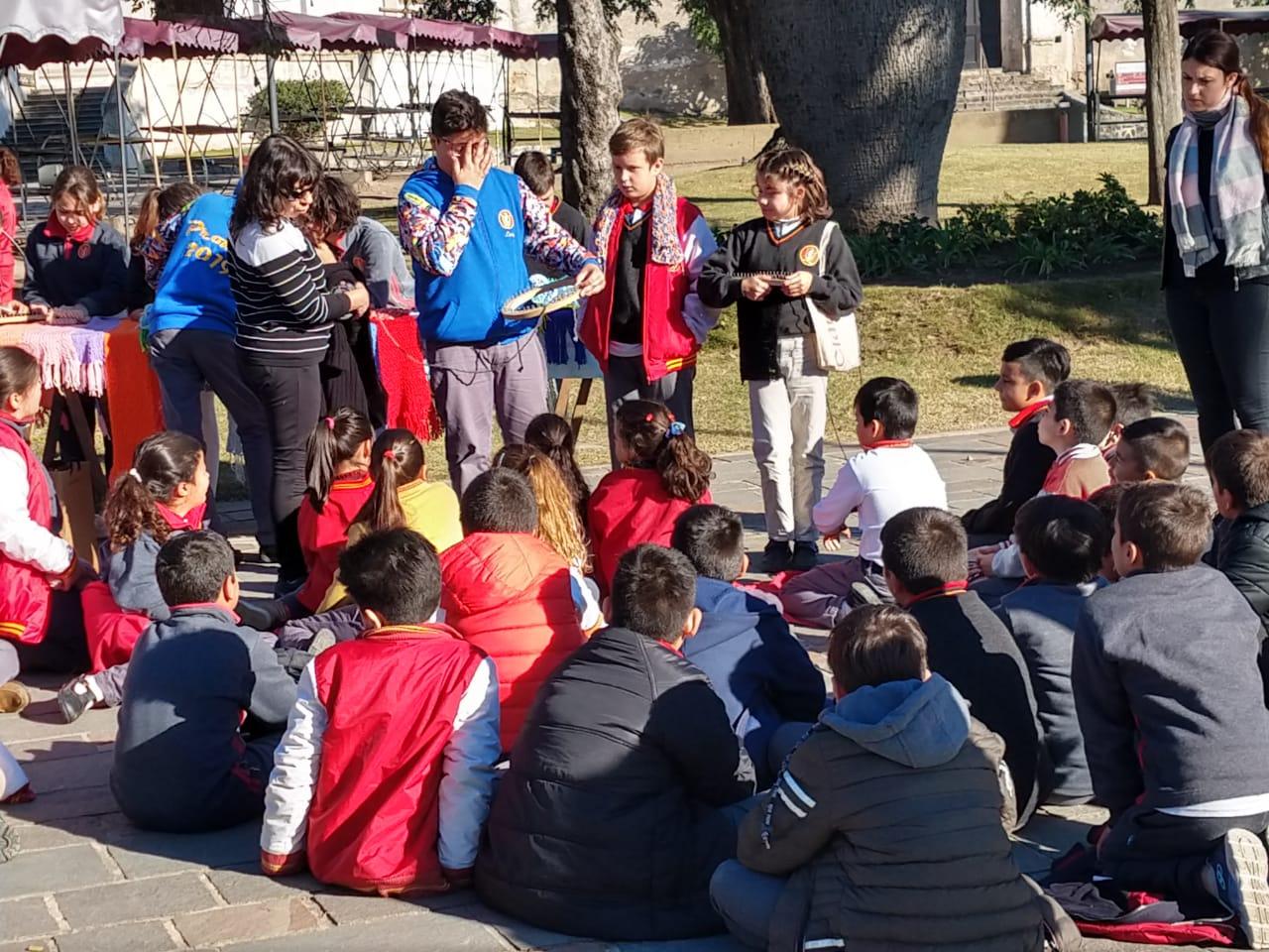 Instituto Manuel de Falla: felices, abrigados... y solidarios
