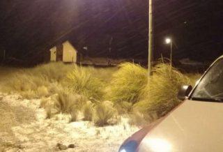 Madrugada con nieve en las Altas Cumbres, piden circular con precaución