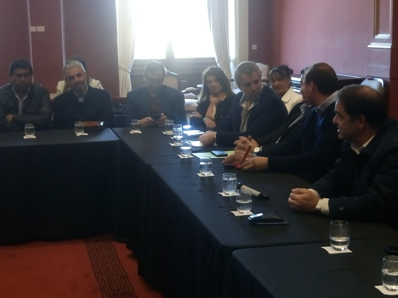 Reunión de intendentes y jefes comunales electos.