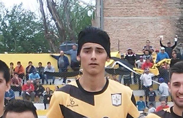 Lucas Quintero se recupera luego del golpe recibido en pleno partido