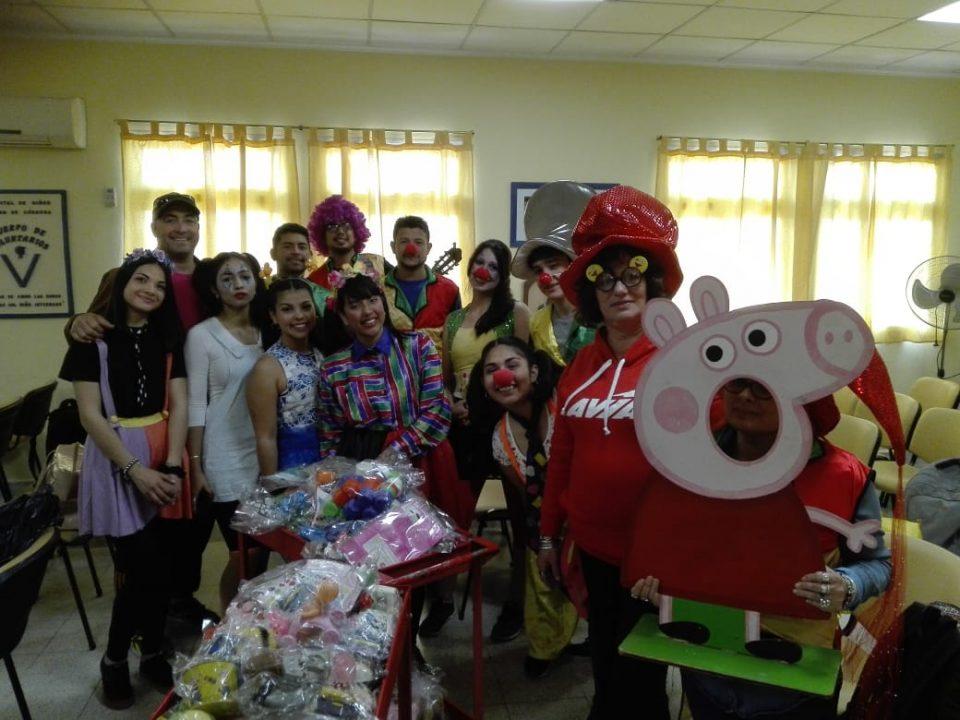 Alumnos del IPET 334 de Santa Ana regalaron sonrisas en el Hospital de Niños