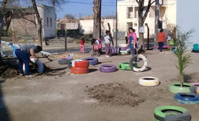 Jornada de trabajo en familia para el Jardín de Infantes Enrique Larreta