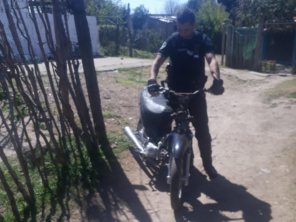 Encontraron una motocicleta robada en Barrio Sabattini