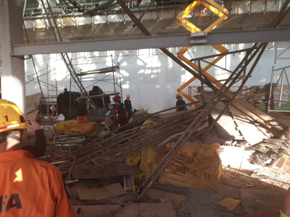 Derrumbe Aeropuerto de Ezeiza: un muerto y diez heridos