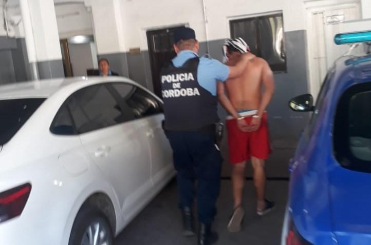 Quedó detenido luego de entorpecer un allanamiento en Bº Pellegrini