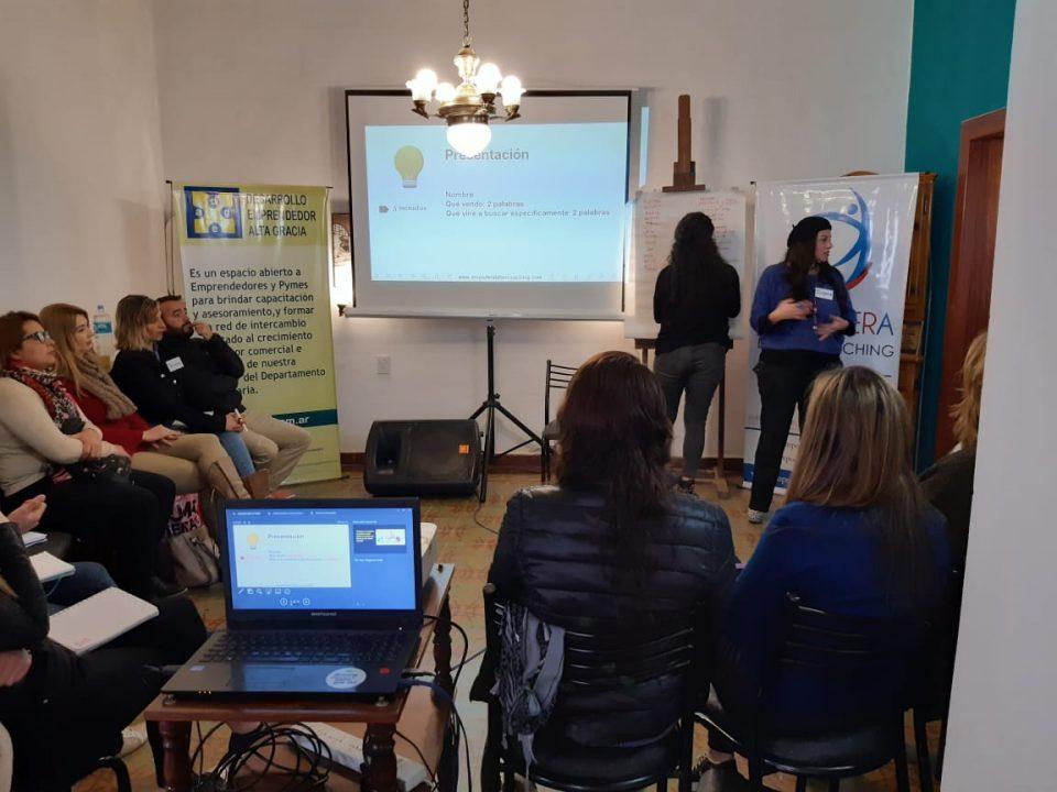 Dictan curso de Neuroventas para emprendedores de Alta Gracia