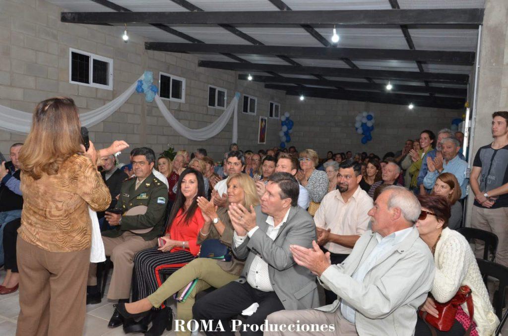 Autoridades presentes en el evento de Juntos Por los Aromos