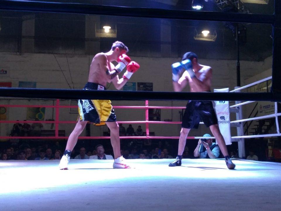 Boxeo: Edu Casal ganó por la vía rápida