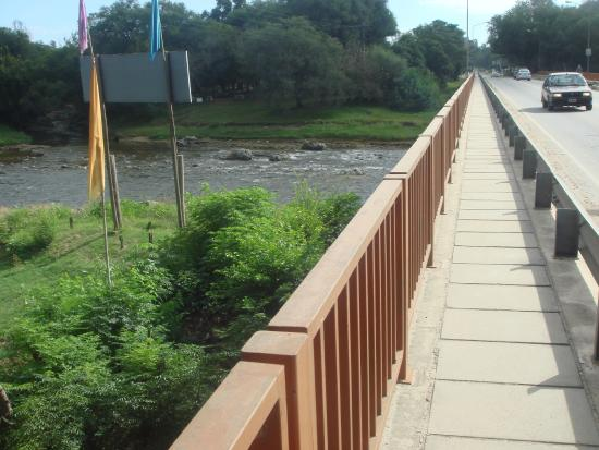 Vecinos cortarán el puente de Anisacte