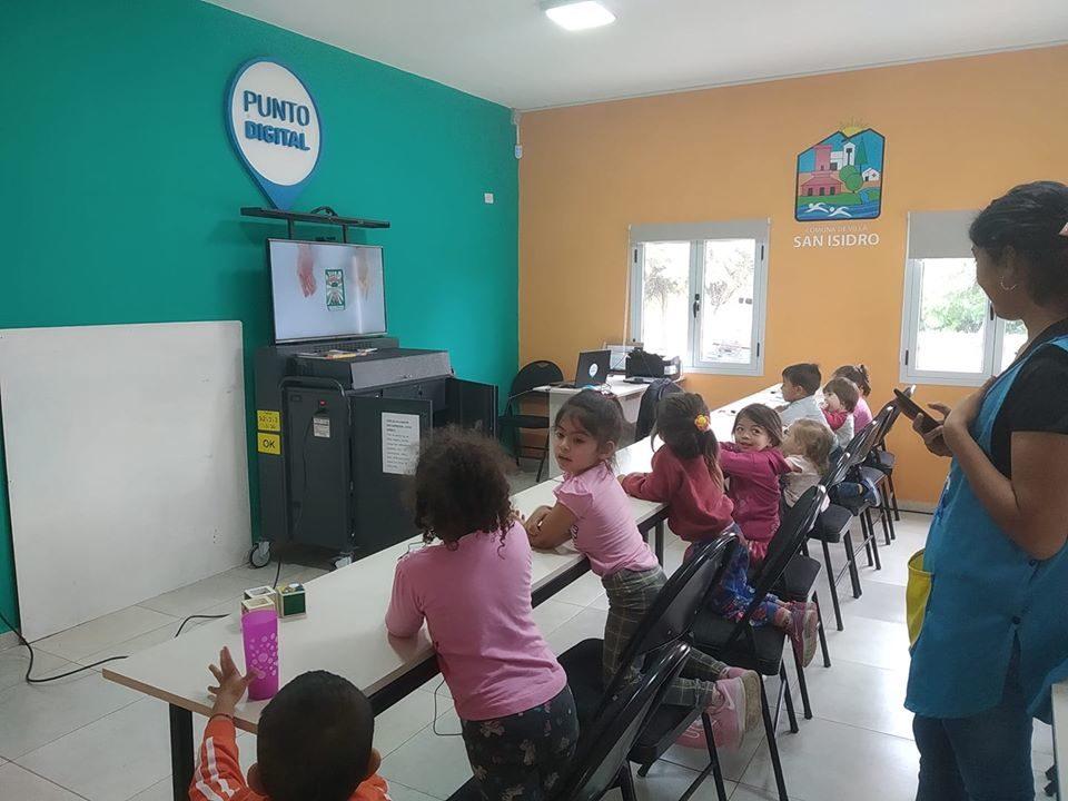 Iniciación Digital para los niños de la Guardería comunal