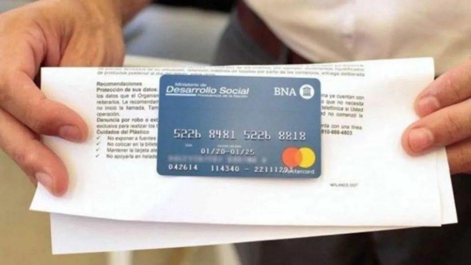 Entrega de Tarjeta AlimentAR para beneficiarios que no fueron a retirarla