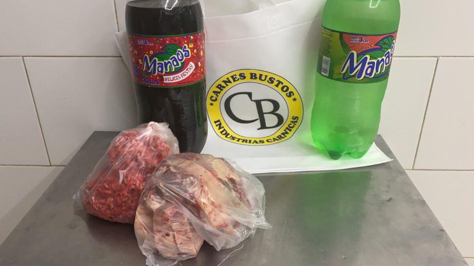 Empresarios donan bolsones de alimentos a vecinos de la ciudad