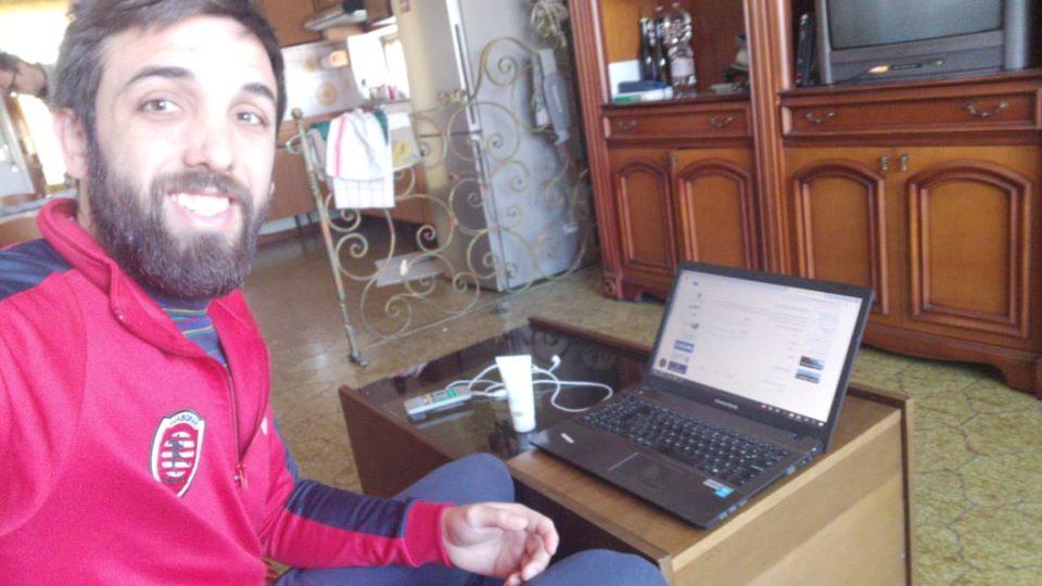 Gonzalo Sánchez, sin handball, sufre en Italia la cuarentena obligatoria esperando poder resolver su situación y poder volver a nuestra ciudad.